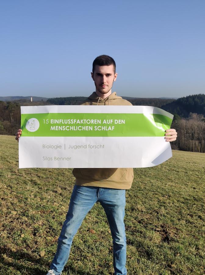 """Zweiter Platz beim Regionalwettbewerb """"Jugend forscht"""": Silas Benner untersucht Einflussfaktoren auf den menschlichen Schlaf"""